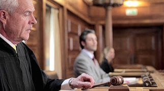 судебный процесс против коллектора